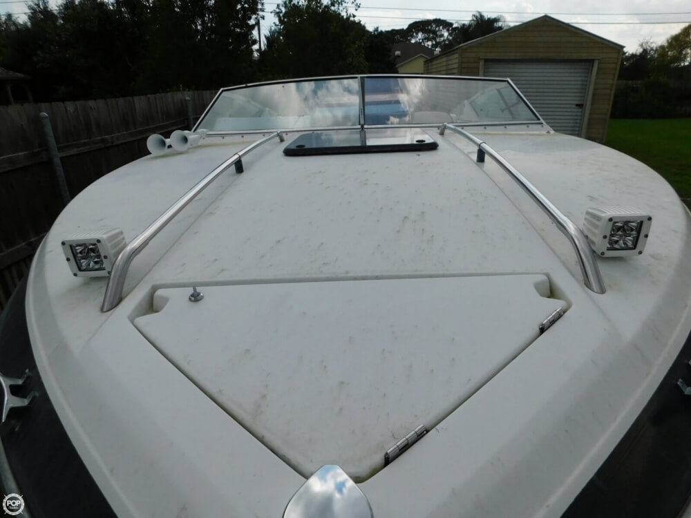1988 Four Winns boat for sale, model of the boat is Liberator 201 & Image # 14 of 40