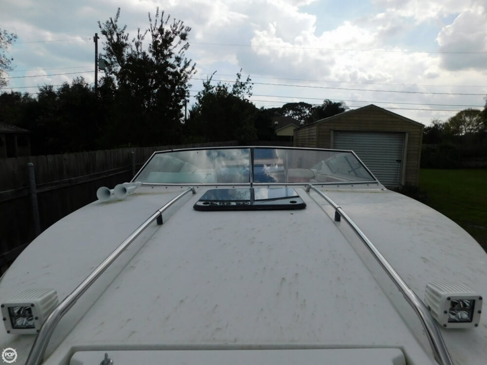 1988 Four Winns boat for sale, model of the boat is Liberator 201 & Image # 15 of 40