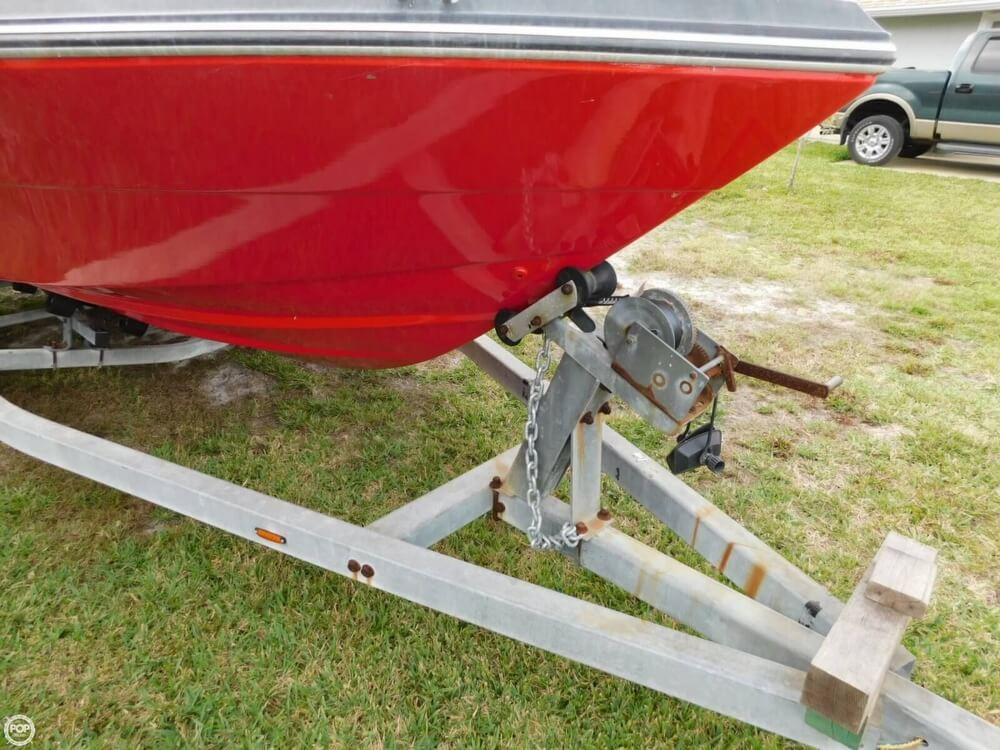 1988 Four Winns boat for sale, model of the boat is Liberator 201 & Image # 16 of 40