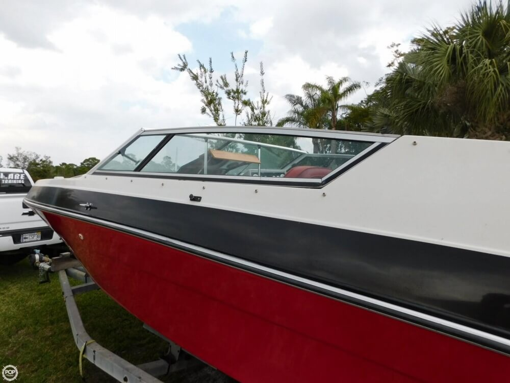 1988 Four Winns boat for sale, model of the boat is Liberator 201 & Image # 24 of 40