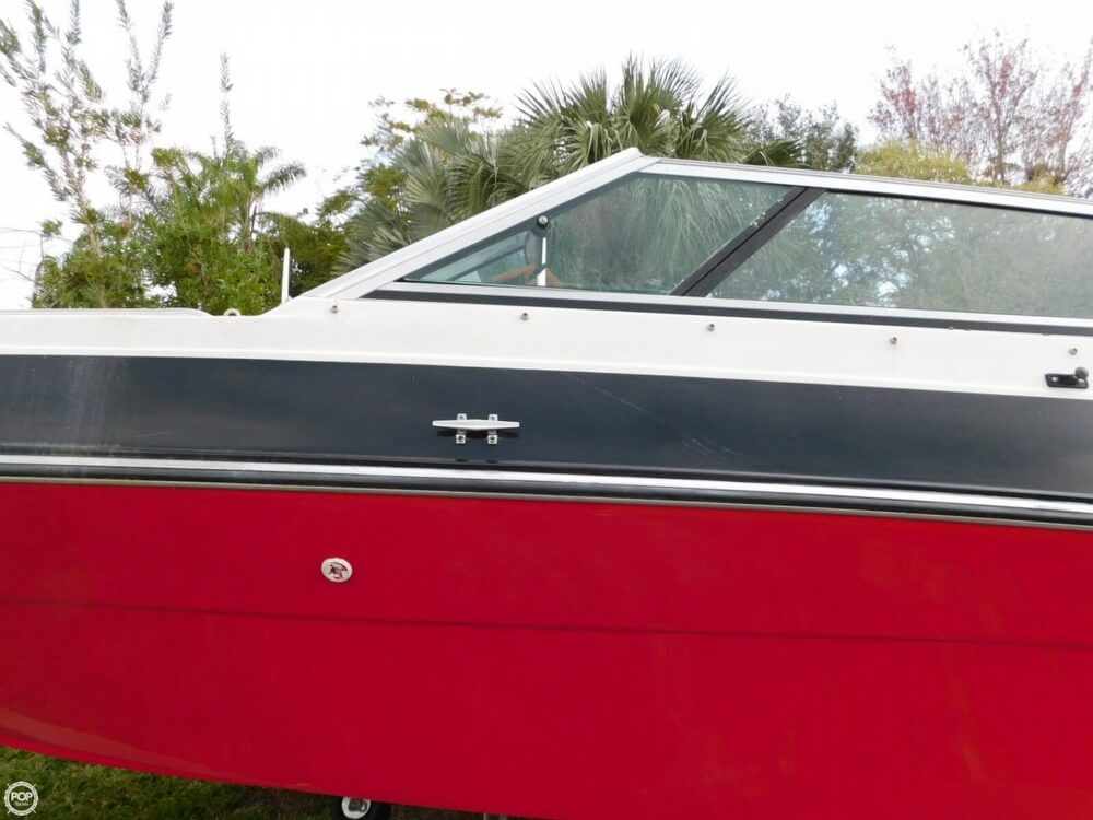 1988 Four Winns boat for sale, model of the boat is Liberator 201 & Image # 26 of 40