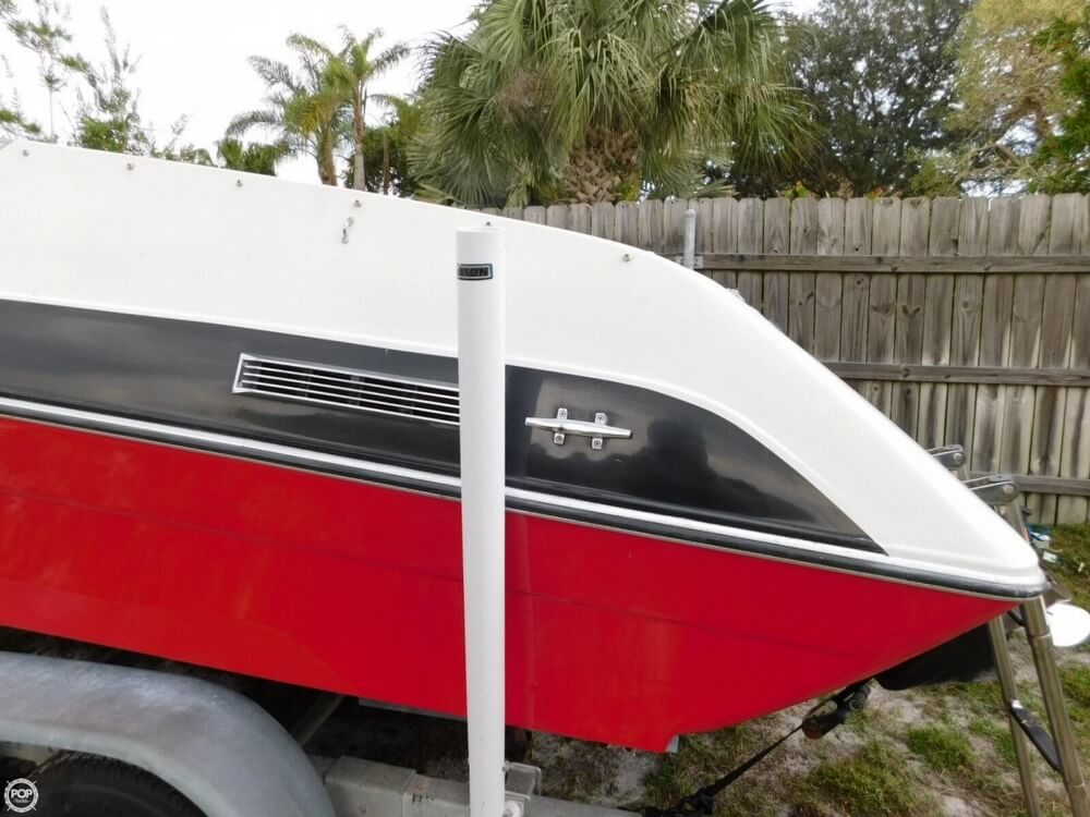 1988 Four Winns boat for sale, model of the boat is Liberator 201 & Image # 32 of 40