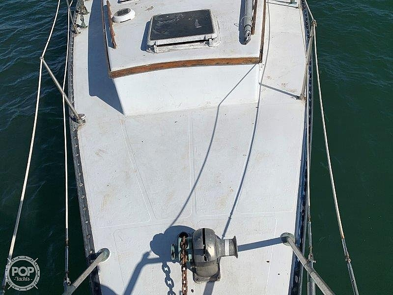 1982 Hartley boat for sale, model of the boat is 39 & Image # 15 of 40