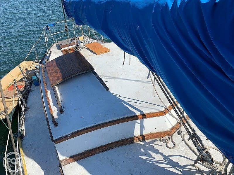 1982 Hartley boat for sale, model of the boat is 39 & Image # 23 of 40