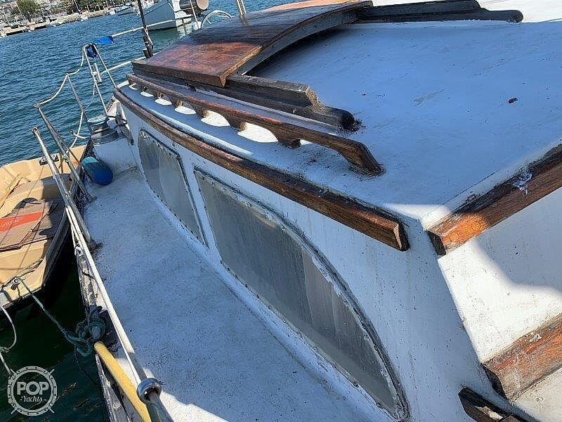 1982 Hartley boat for sale, model of the boat is 39 & Image # 24 of 40