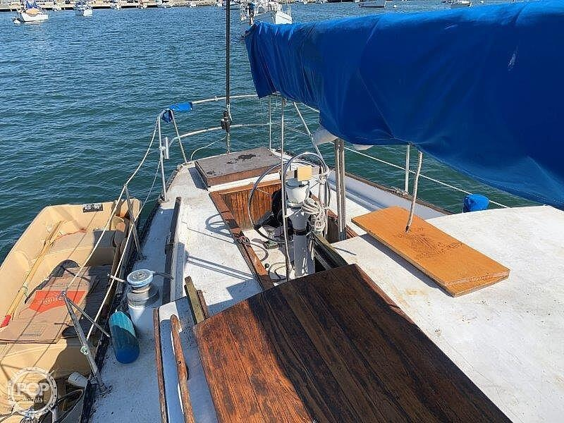 1982 Hartley boat for sale, model of the boat is 39 & Image # 25 of 40