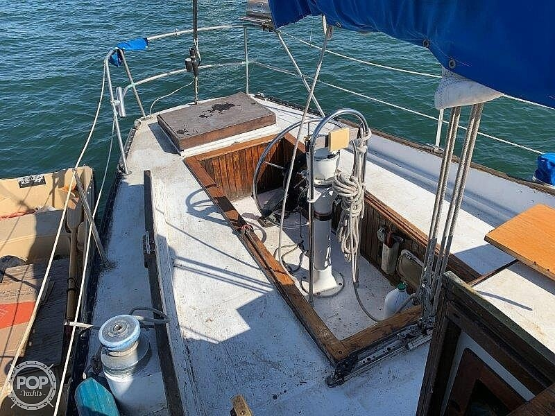1982 Hartley boat for sale, model of the boat is 39 & Image # 26 of 40
