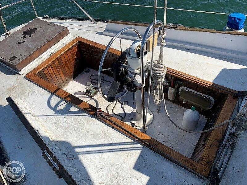 1982 Hartley boat for sale, model of the boat is 39 & Image # 27 of 40