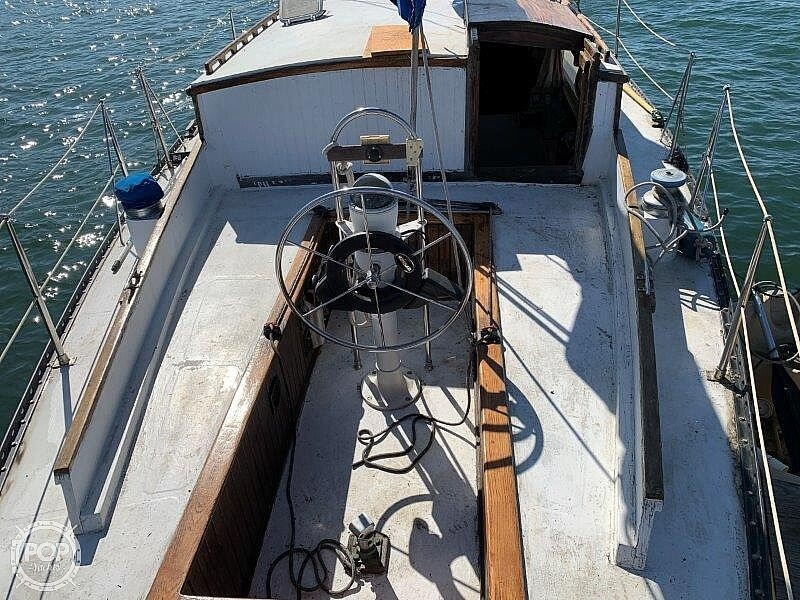 1982 Hartley boat for sale, model of the boat is 39 & Image # 29 of 40