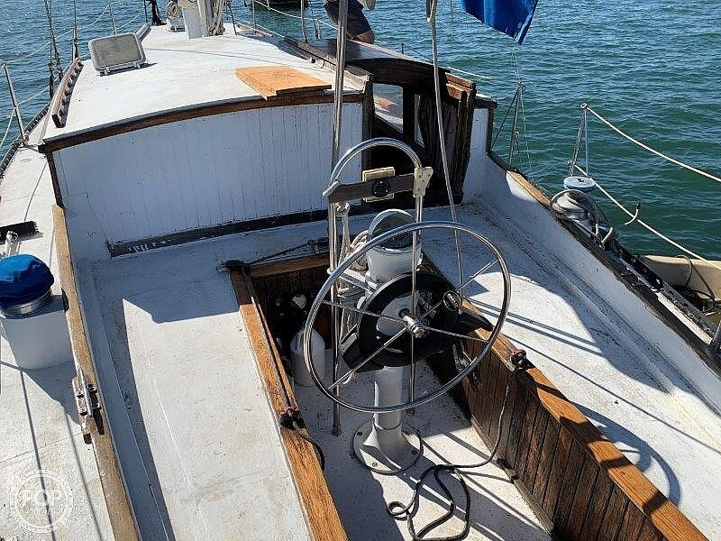 1982 Hartley boat for sale, model of the boat is 39 & Image # 32 of 40