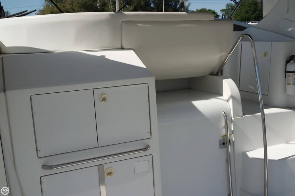 2001 Carver boat for sale, model of the boat is 444 Cockpit MY & Image # 27 of 40