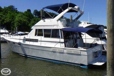 Bayliner 3870 Motoryacht, 38', for sale