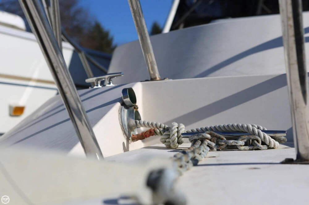 1988 Delta boat for sale, model of the boat is 28 & Image # 18 of 40