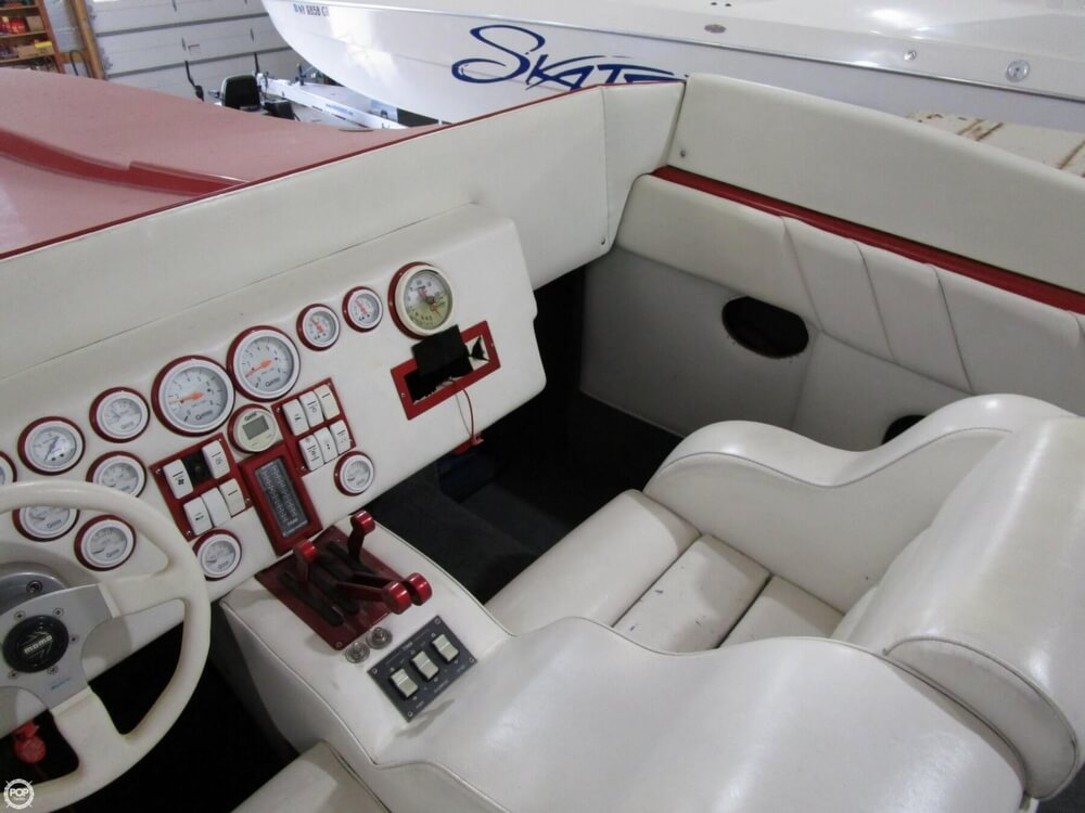 1994 Active Thunder boat for sale, model of the boat is 32 & Image # 7 of 40