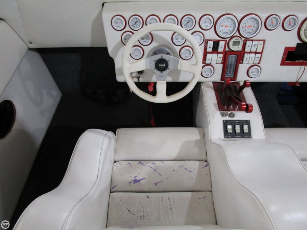 1994 Active Thunder boat for sale, model of the boat is 32 & Image # 8 of 40