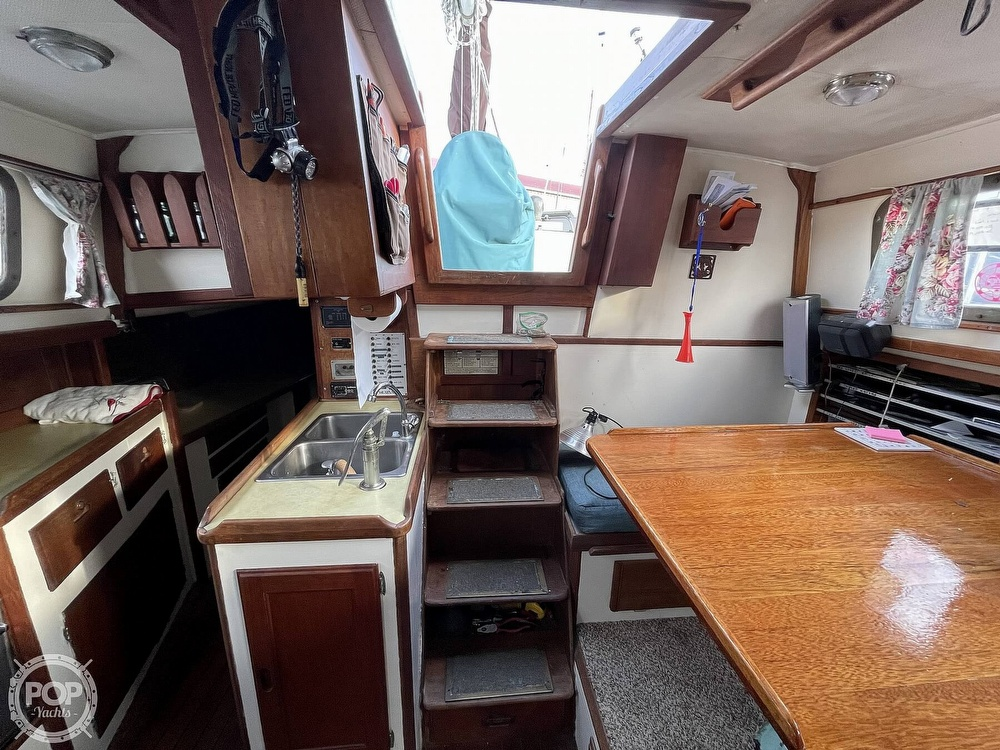 1974 Westsail boat for sale, model of the boat is 42 & Image # 13 of 40