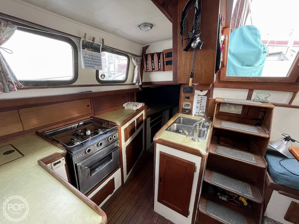 1974 Westsail boat for sale, model of the boat is 42 & Image # 16 of 40