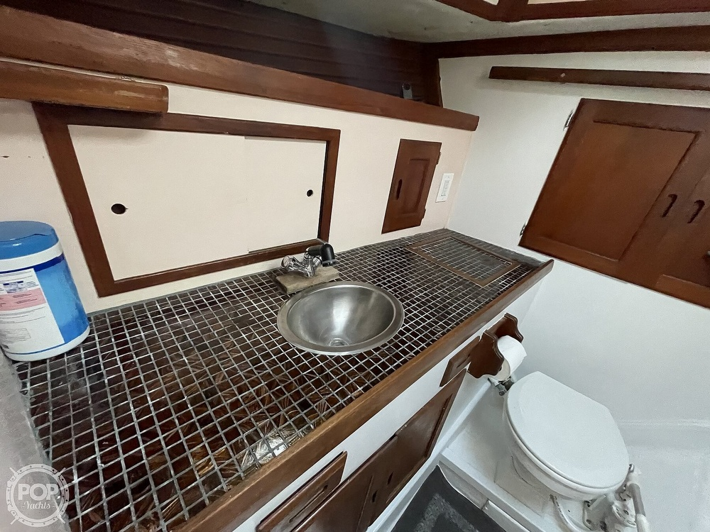1974 Westsail boat for sale, model of the boat is 42 & Image # 18 of 40