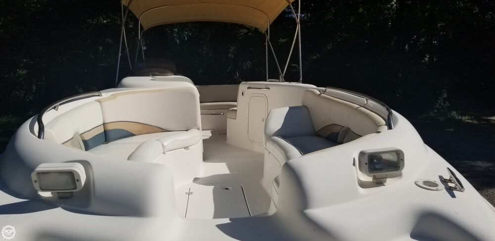 1999 Chaparral boat for sale, model of the boat is 252 Sunesta & Image # 4 of 40