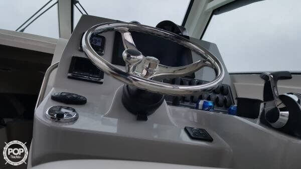 2014 Boston Whaler 285 Conquest - image 3
