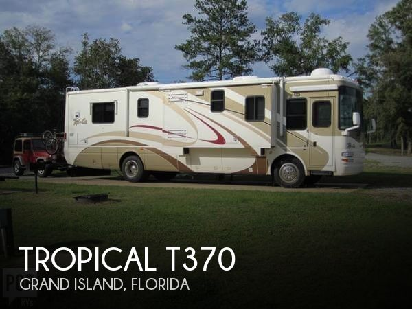 2004 National RV Tropical 370