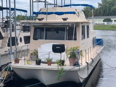 Holiday 36 Barracuda Flybridge, 37', for sale - $25,000