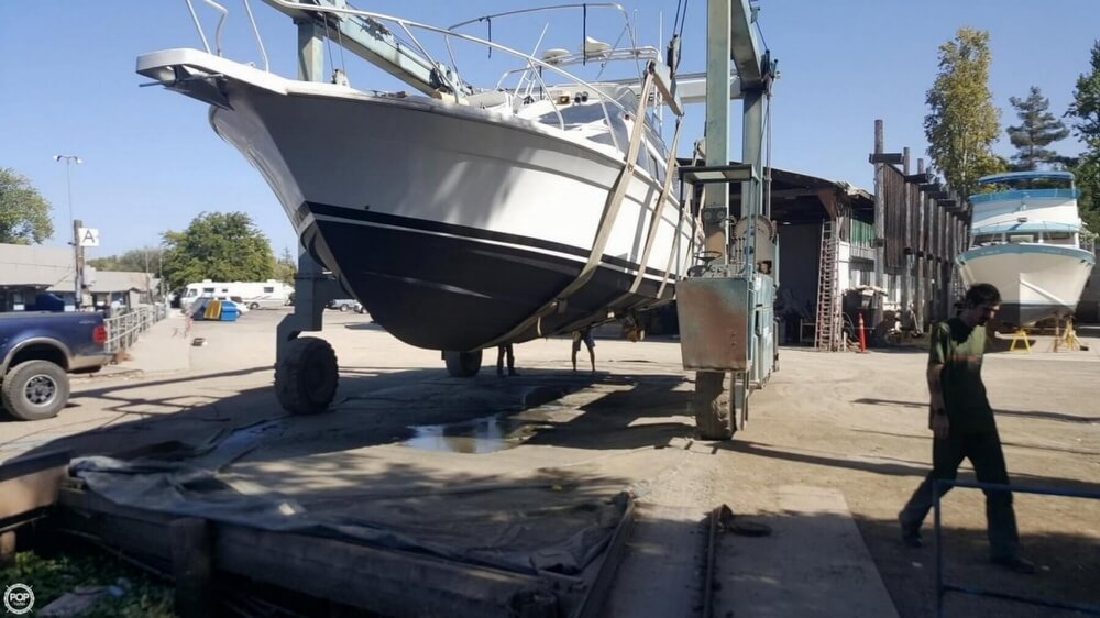 1996 Mainship boat for sale, model of the boat is 40 Sedan Bridge & Image # 8 of 41