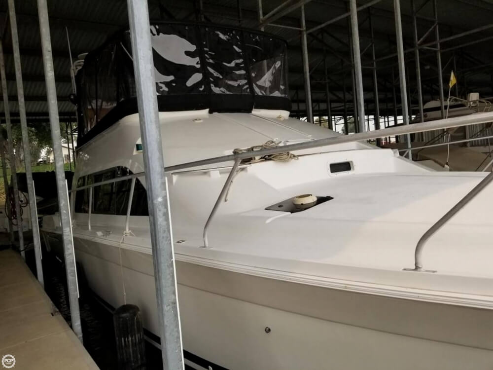 1996 Mainship boat for sale, model of the boat is 40 Sedan Bridge & Image # 9 of 41