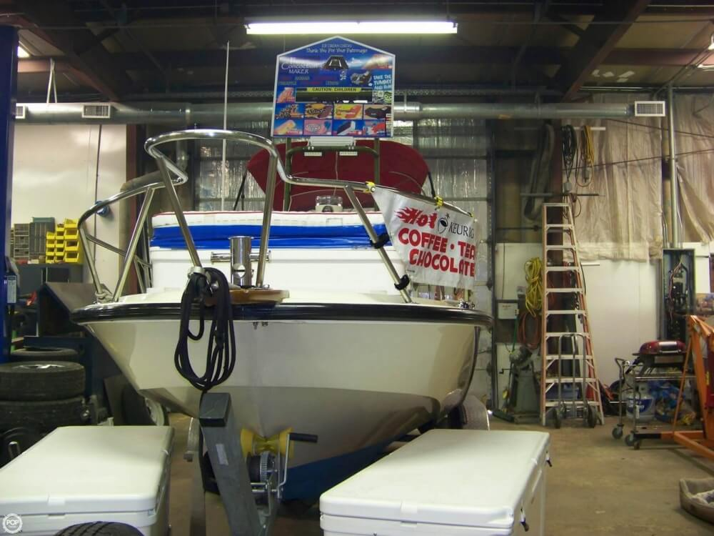 1989 Boston Whaler boat for sale, model of the boat is Outrage 22 & Image # 7 of 32