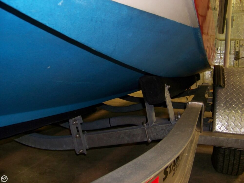 1989 Boston Whaler boat for sale, model of the boat is Outrage 22 & Image # 9 of 32