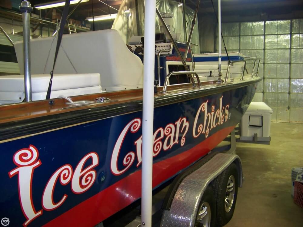 1989 Boston Whaler boat for sale, model of the boat is Outrage 22 & Image # 5 of 32
