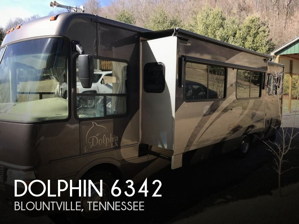2006 National RV Dolphin 6342