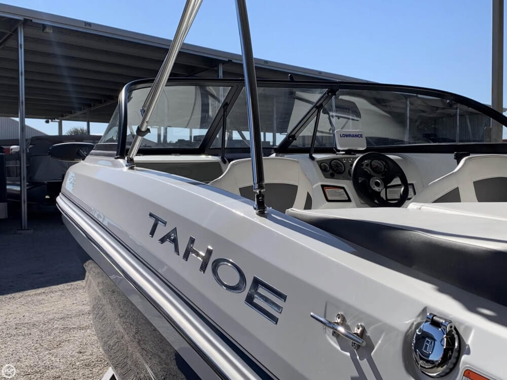 2018 Tahoe boat for sale, model of the boat is 450TF & Image # 16 of 40