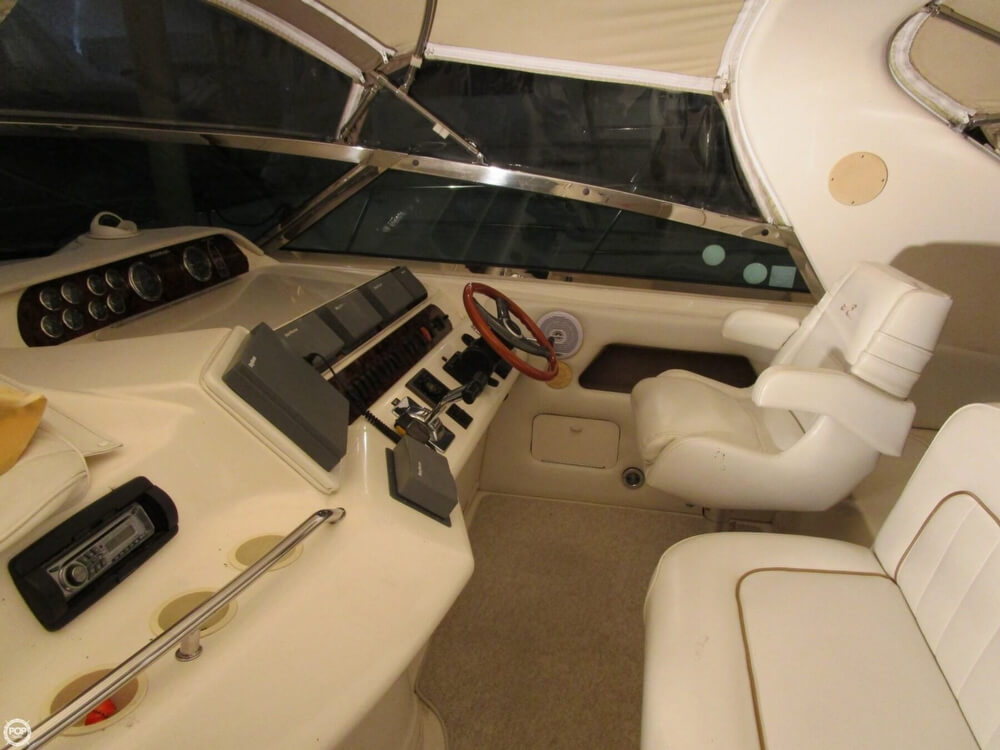 1997 Sea Ray boat for sale, model of the boat is 450 Sundancer & Image # 3 of 40