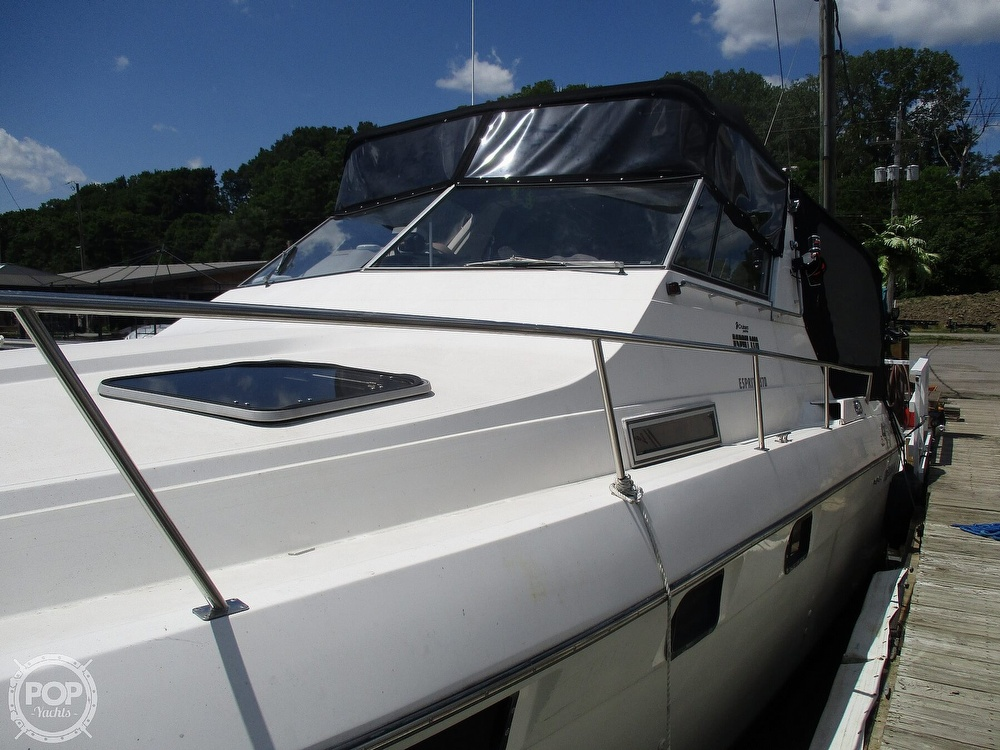 1992 Cruisers Yachts boat for sale, model of the boat is 3370 Esprit & Image # 16 of 41