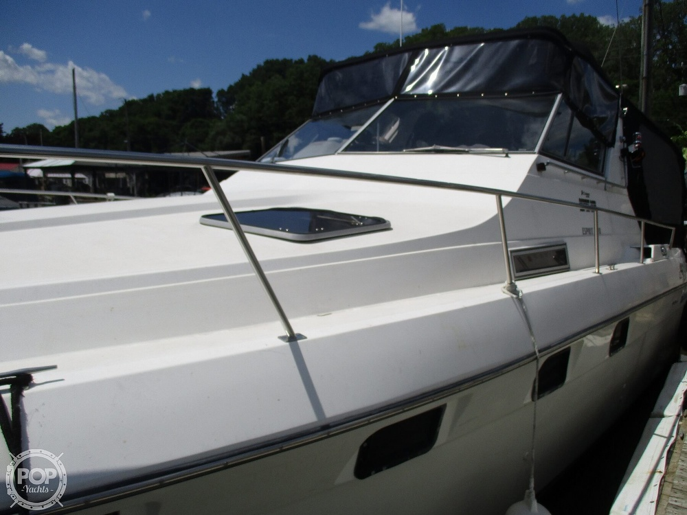 1992 Cruisers Yachts boat for sale, model of the boat is 3370 Esprit & Image # 18 of 41