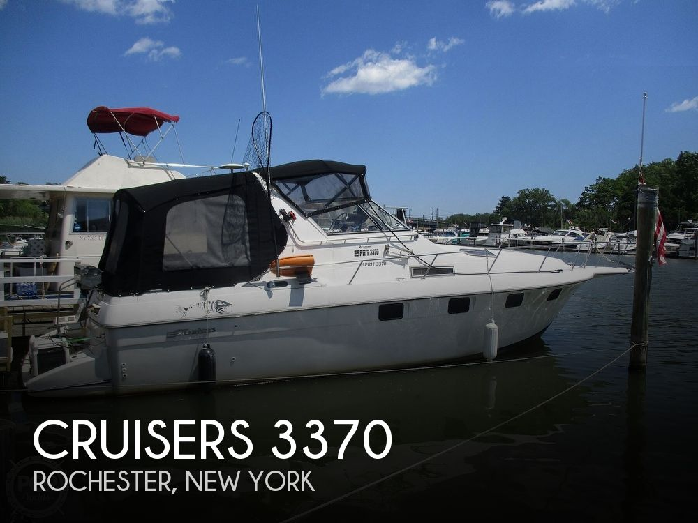 1992 Cruisers Yachts boat for sale, model of the boat is 3370 Esprit & Image # 1 of 41