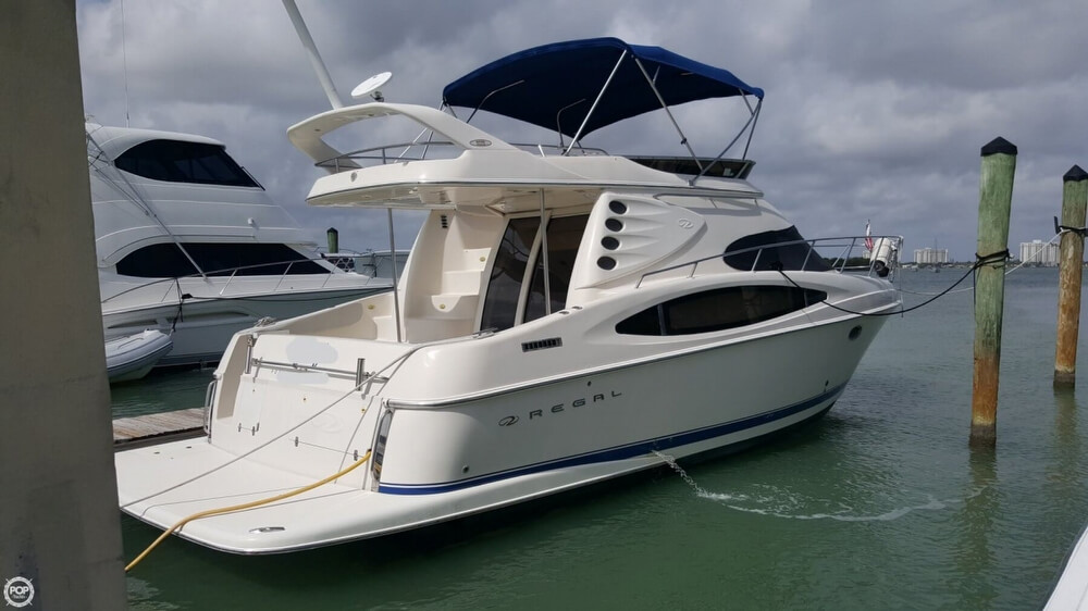 2001 Regal boat for sale, model of the boat is 3780 Commodore & Image # 10 of 40