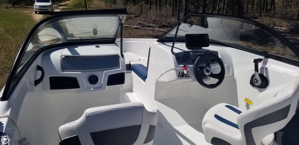 2018 Tahoe boat for sale, model of the boat is 450 TS & Image # 8 of 40