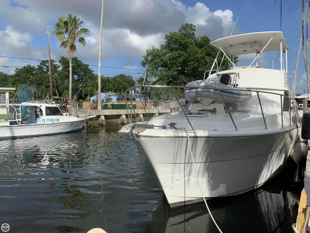 1986 Chris Craft boat for sale, model of the boat is 422 Commander & Image # 7 of 40
