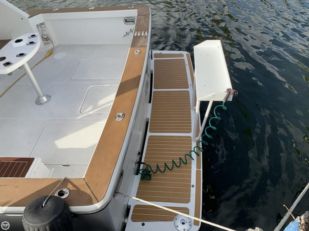 1986 Chris Craft boat for sale, model of the boat is 422 Commander & Image # 14 of 40