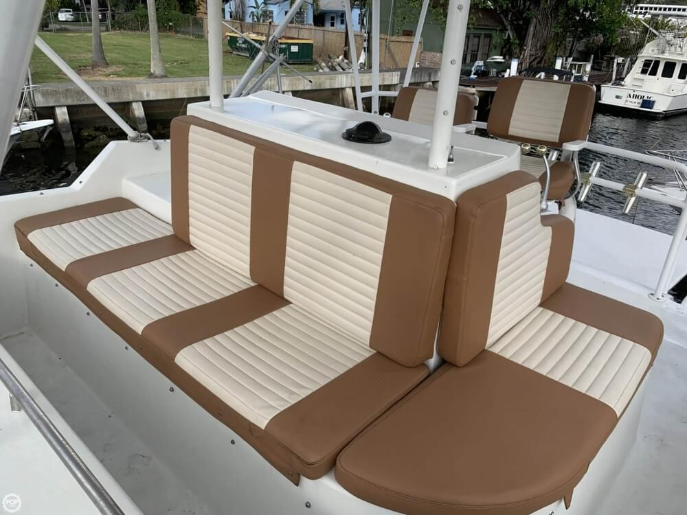 1986 Chris Craft boat for sale, model of the boat is 422 Commander & Image # 3 of 40