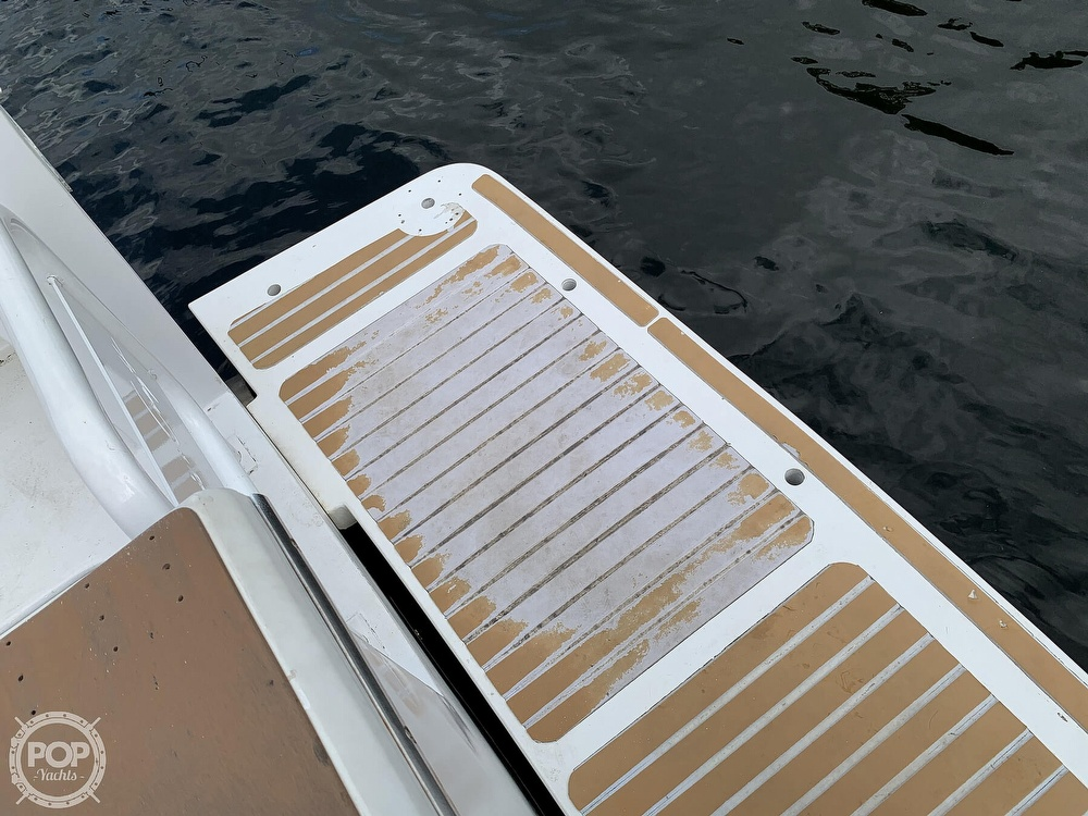 1986 Chris Craft boat for sale, model of the boat is 422 Commander & Image # 11 of 40