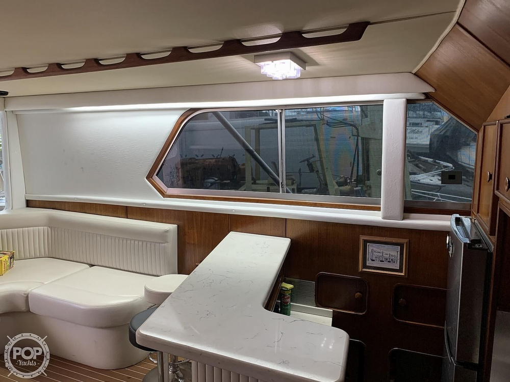 1986 Chris Craft boat for sale, model of the boat is 422 Commander & Image # 15 of 40