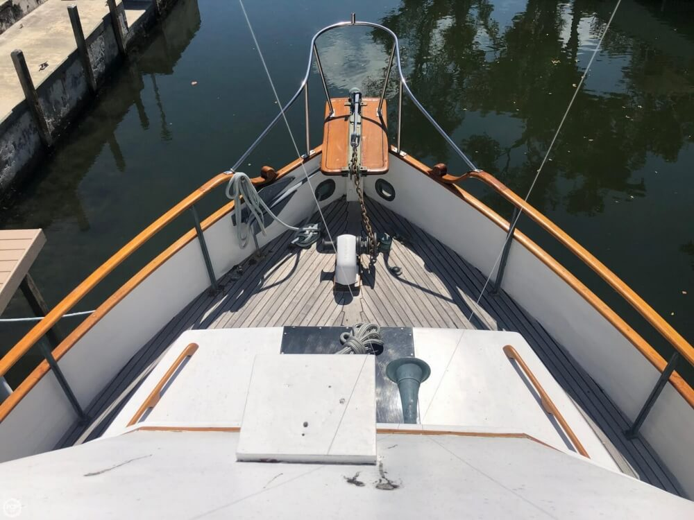 1973 Grand Banks boat for sale, model of the boat is 42 & Image # 24 of 41