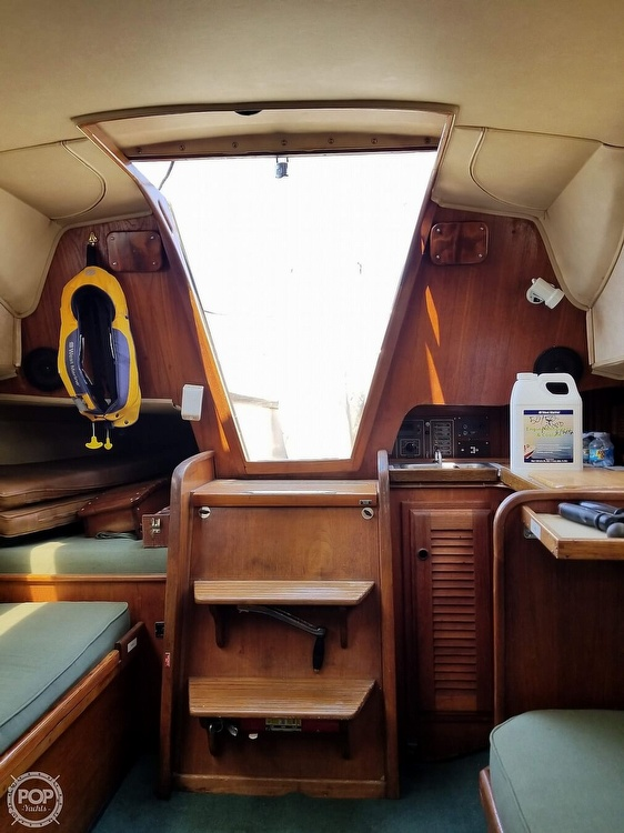 1977 Islander boat for sale, model of the boat is 28 & Image # 11 of 26