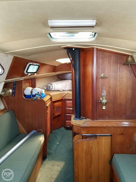 1977 Islander boat for sale, model of the boat is 28 & Image # 12 of 26