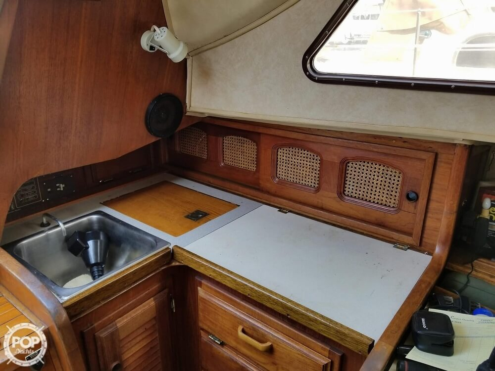 1977 Islander boat for sale, model of the boat is 28 & Image # 15 of 26