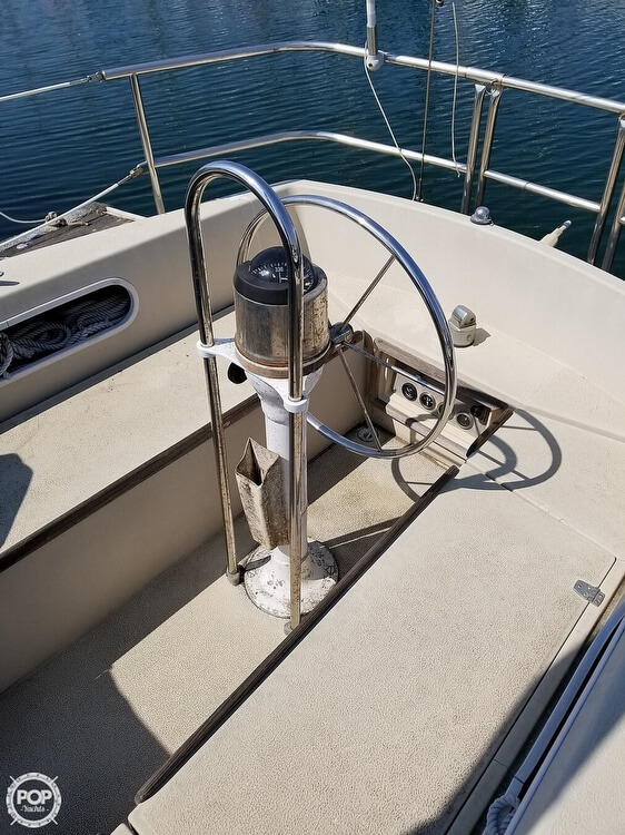 1977 Islander boat for sale, model of the boat is 28 & Image # 7 of 26