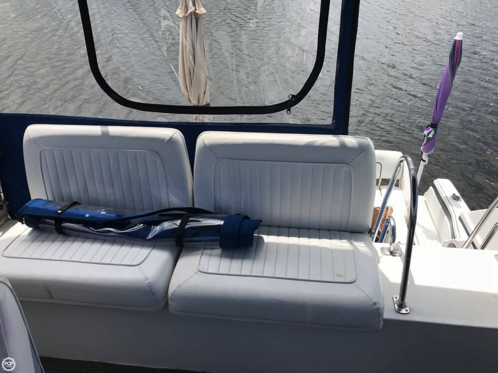 1990 Carver boat for sale, model of the boat is 3067 Santego & Image # 11 of 39
